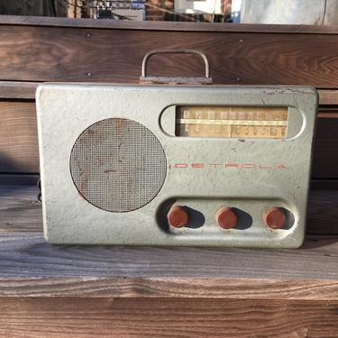 1947 Detrola AM Shortwave Table Radio 568-1 Metal Case by Deco2Go