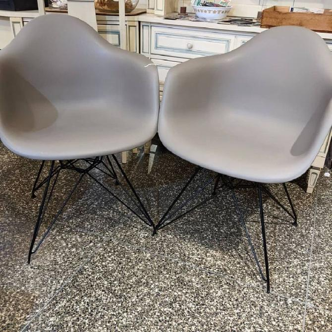 Molded plastic Eames style chair