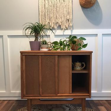 Mid Century Oak Chest of Drawers Storage Cabinet light wood  Boho by VintageCoreReStore