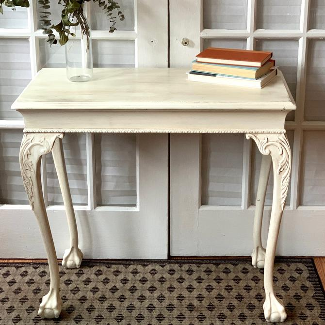 White ornate rustic table