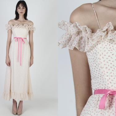 White Calico Rose Bohemian Dress / Tiny Pink Florals / Womens 70s Summer Night Party Dress / Long Full Skirt Prairie Maxi Dress by americanarchive