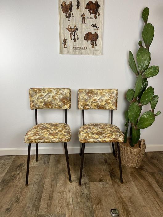 Vintage Set of 2 Golden Floral Vinyl Kitchen Chairs by DesertCactusVintage
