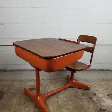 Mid Century Wood/Enameled Metal Childs School Desk