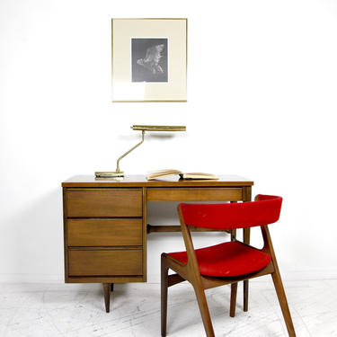 Vintage MCM small writing desk by Bassett furniture | Free delivery in NYC and Hudson by OmasaProjects