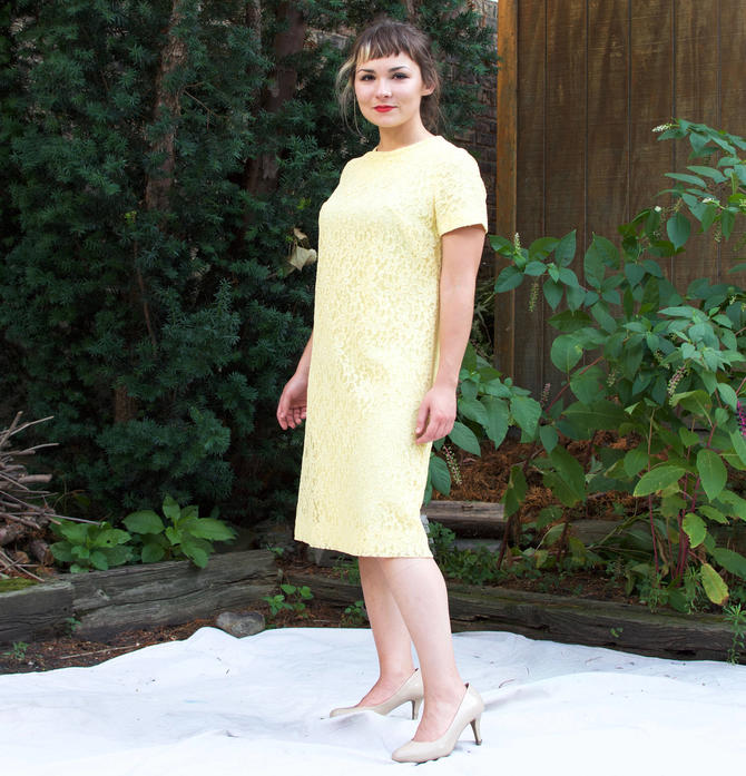 s.a.l.e. Vintage 1960s Mod Shift Dress - Yellow Lace Pastel Short Sleeve Party Dress - M by SecondShiftVintage