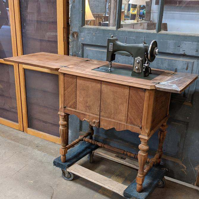 Vintage 1934 World's Fair White Rotary Sewing Machine Table