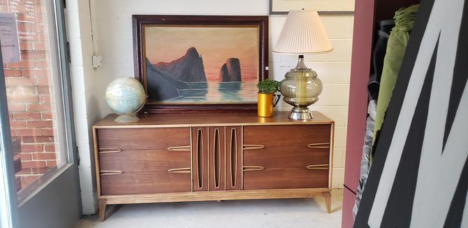 Mid-century Modern Low Dresser by Unagusta