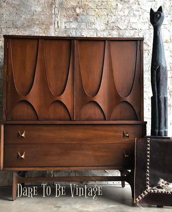 Brasilia Broyhill Mid Century Dresser ~ Broyhill Brasilia Sculpted Highboy Dresser ~ Walnut Dresser ~ Mid Century Modern Dresser by DareToBeVintage