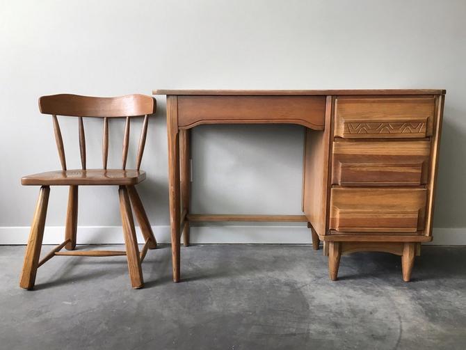 vintage mid century modern desk + chair.