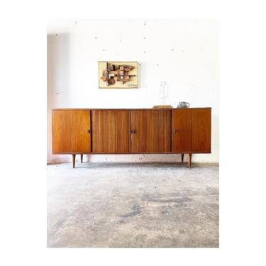 Mid Century Modern Console or Credenza by FlipAtik
