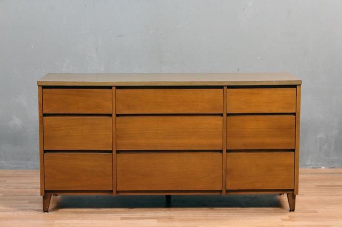 Stanley Mid Century Walnut & Laminate 9-Drawer Dresser