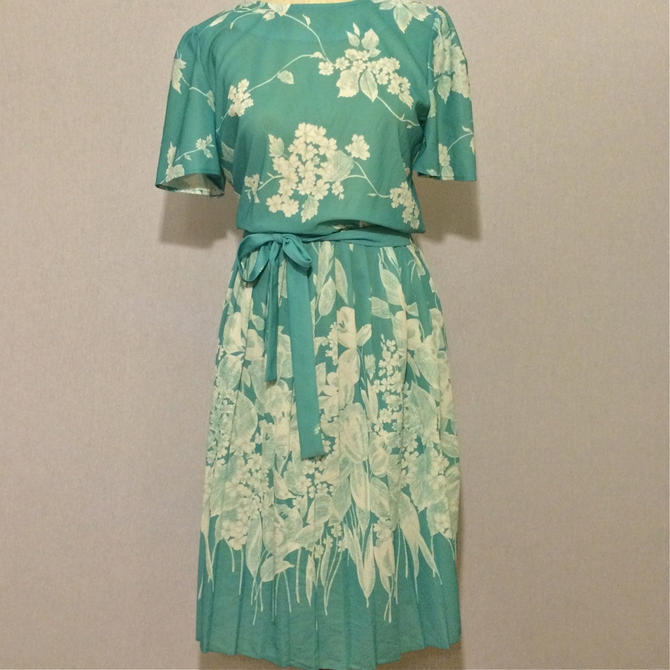 Vintage Floral Mint Pleated Skirt 70s Dress by citybone
