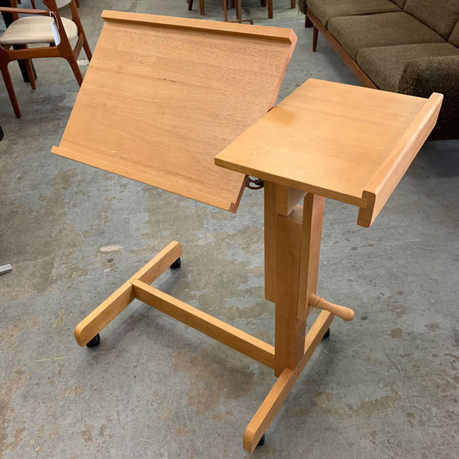 HA-18163 Reading Stand